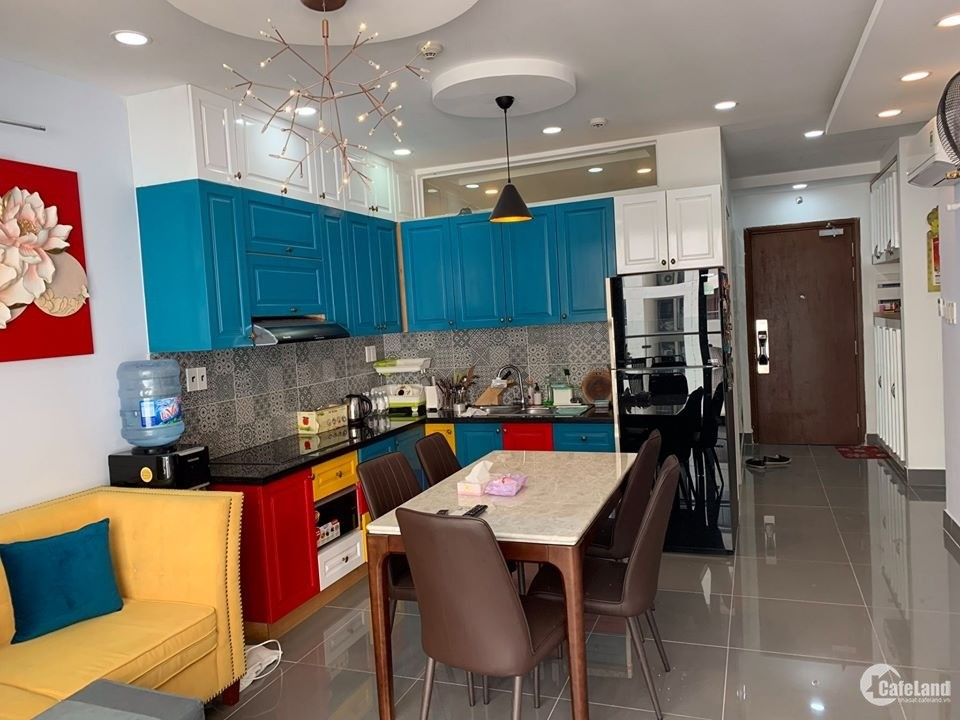 Perfect design 2-bedroom apartment near Dis 1. You can move in immediately!