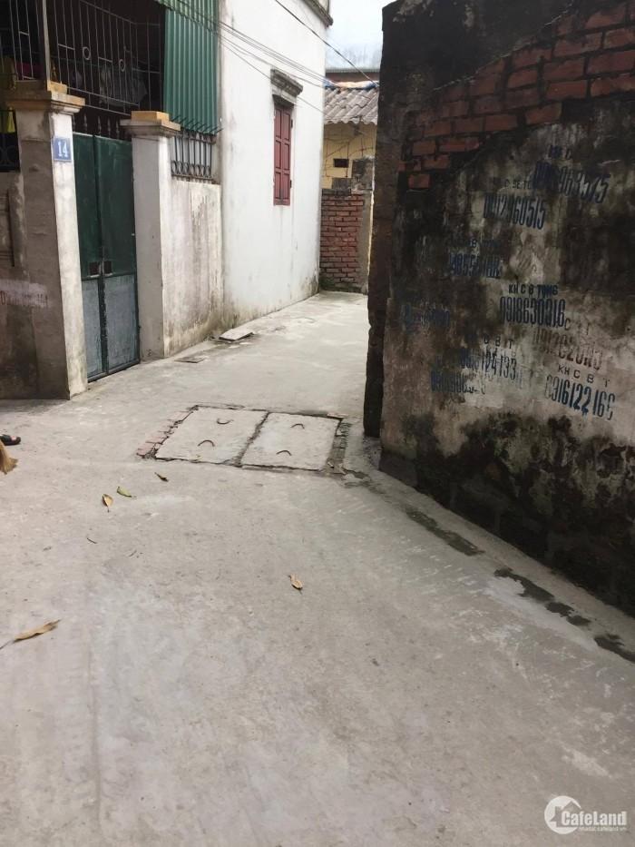 Bán đất TT Trâu Qùy, 31m2, mặt tiền 4m, giá 806tr