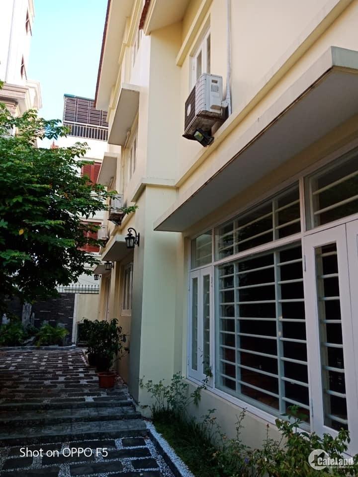 Cho thuê biệt thự Khu đô thị Việt Hưng phù hợp là Văn phòng, mầm non, dạy học