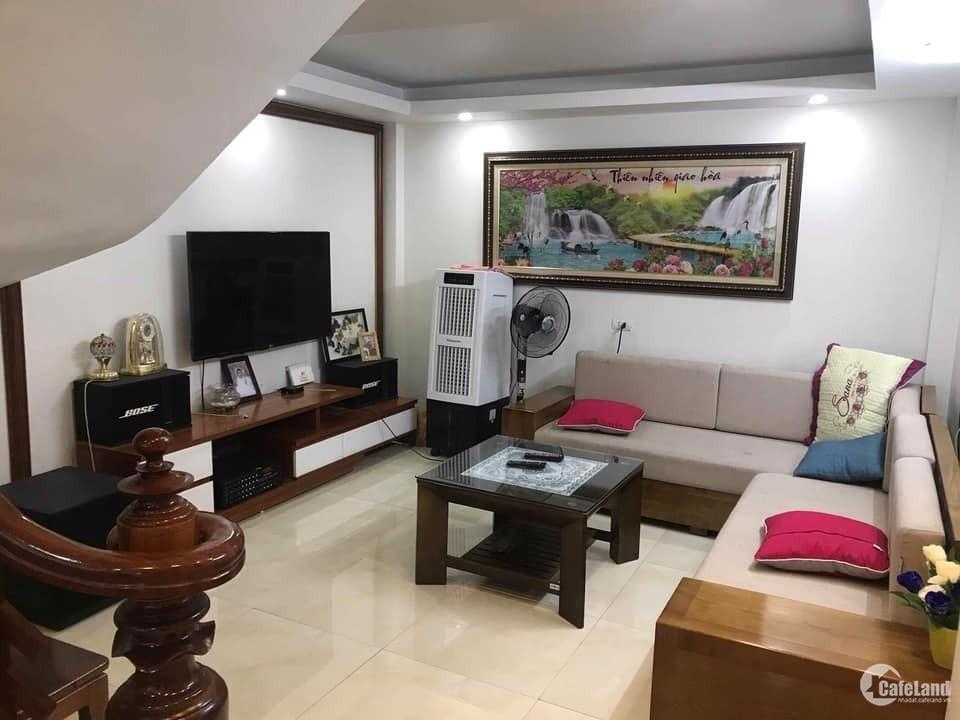 Cho thuê nhà riêng 4 tầng Giang Biên Long Biên,full đồ 7tr, 35m2/1 sàn