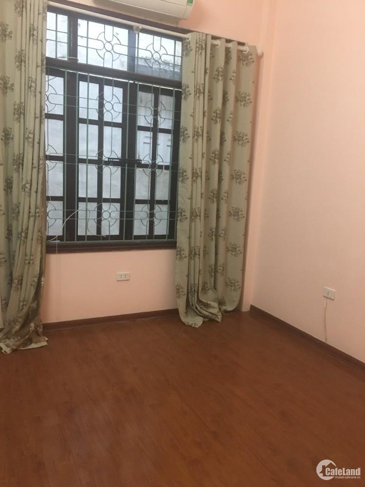 Cho thuê nhà riêng Hoàng Như Tiếp 40m2x 3T giá 6.5tr/th. lh:0968200785