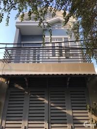 Cần bán nhà đường Dương Công Khi,cách chợ Xuân Thới Thượng,DT: 4x15, giá 1.4 tỷ.