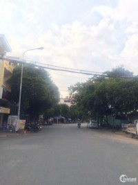Bán nhà MTKD đường Hoa Bằng, Tân Sơn Nhì Q Tân Phú DT 4.2x12m 3 lầu st