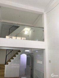 Bán hoặc cho thuê nhà trệ 2 lầu MT đường Trần Kế Xương, P3, Bình Thạnh.