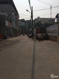 Bán nhà ngõ 89 Lạc Long Quân,gần chợ Nghĩa Đô, ô tô đỗ cửa