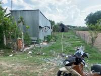 Bán đất mặt tiền Tỉnh Lộ 7,diện tích gần 700m2 giá 3,6 tỷ.