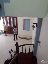 Nhà mặt ngõ Đội Cấn cho thuê ở + KD 40m2- 5 Tầng- Lô góc 2 mặt tiền. Giá 15tr/th