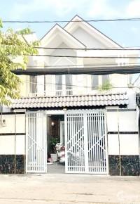 Cho thuê nhà 1 lầu mặt tiền đường Trần Xuân Soạn quận 7.