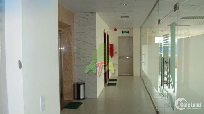 < văn phòng giá tốt > 200 m2 = 50 tr / tháng (~ 10 USD / m2 ) ngay sân bay TSN