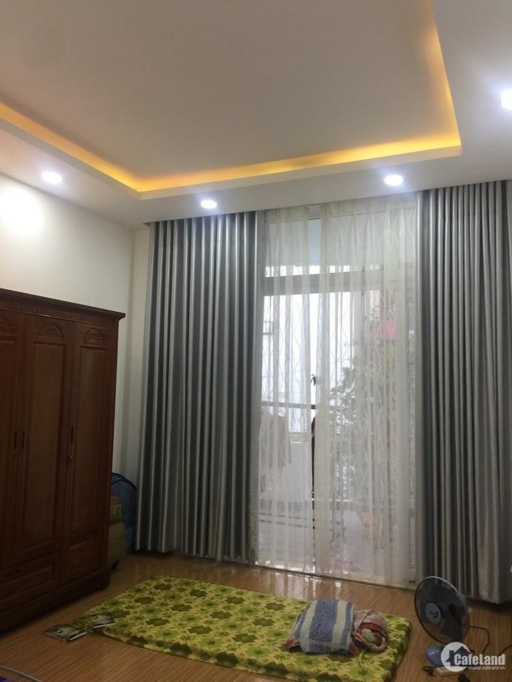Bán nhà Huỳnh Văn Bánh, Phú Nhuận cho con đi học