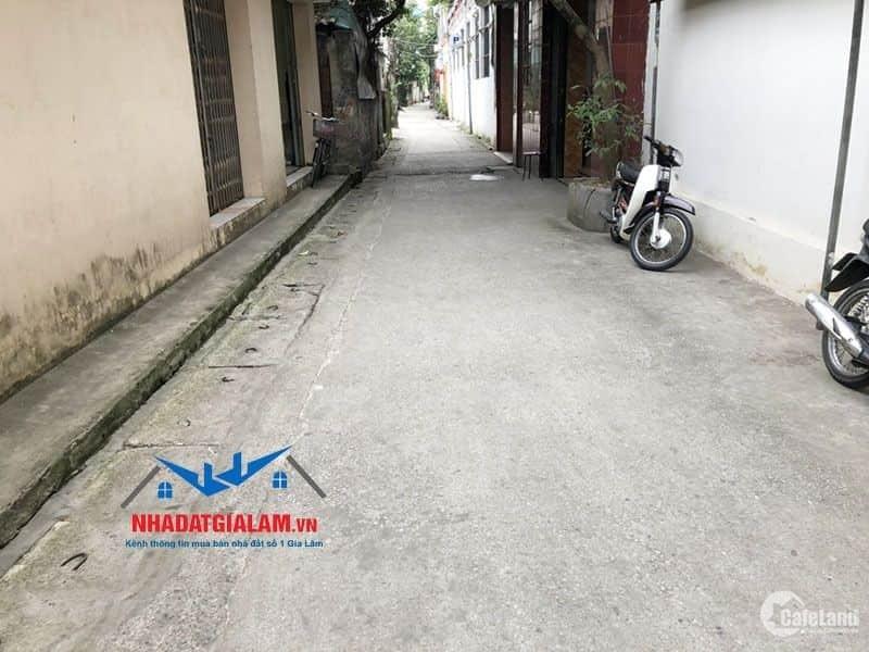 Bán đất 50m Kiên Thành, Gia Lâm. Đường vào 3m xe máy, đất vuông vắn, hướng Tây