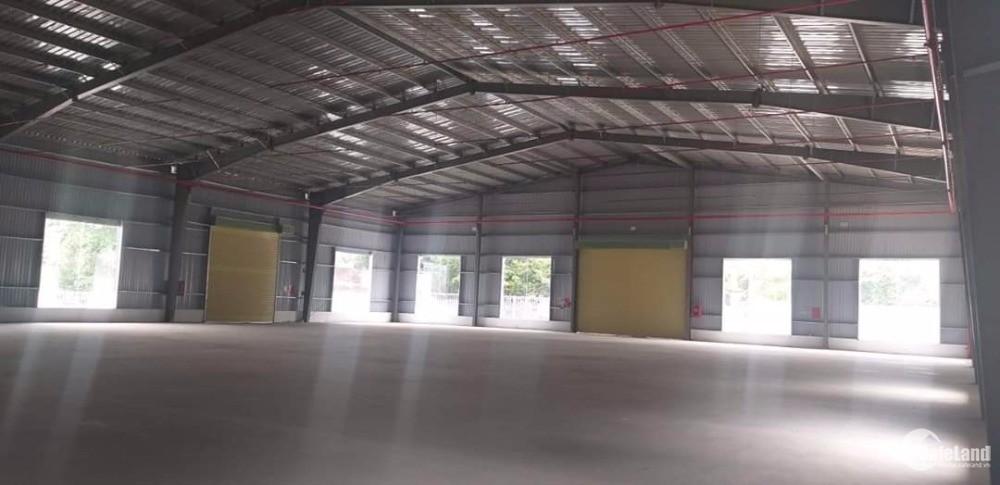 Cho thuê nhà xưởng khu vực Dĩ An, TDT: 3200m2, DTX:1700m2, Giá thuê: 160tr/tháng