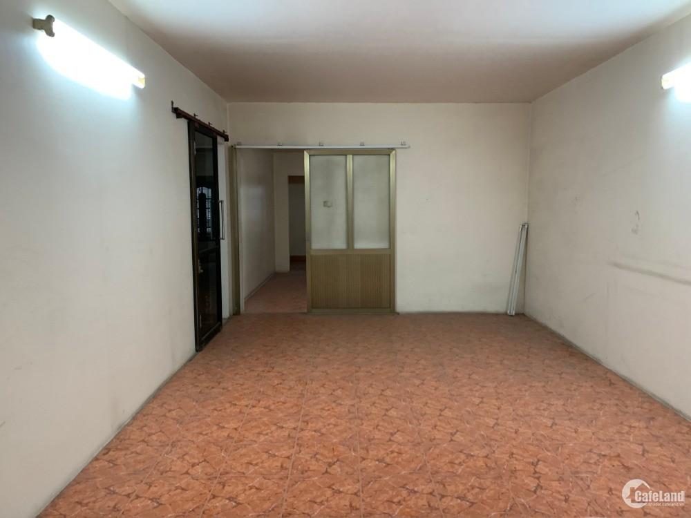 Cho thuê nhà mặt đường Lạch Tray, mặt tiền 5m giá 50 tr/tháng