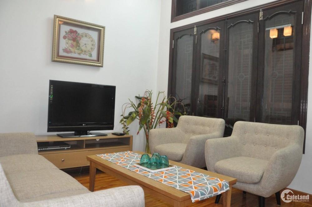 Cho thuê căn hộ cao cấp 70m2 phố Tạ Quang Bửu