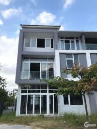 Bán nhà trung tâm Hoàng Quốc Việt - 3 tầng