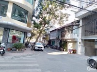 Bán nhà mặt phố Trấn Vũ 55m2 - 3 Tầng - Mặt tiền 10m. Giá 14,2 Tỷ