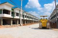 Bán nhà phố 2pn giá 1tỷ4, gần Đại Học Qtế Việt Đức, Bến Cát LH Luyện