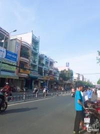 Bán nhà MTKD SẦM UẤT Nguyễn Sơn Q.Tân Phú  DT 4.5X20  CẤP 4  GIÁ 13.5 TỶ