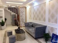 Bán nhà 4,5 tầng DT 36m2 ô tô vào nhà ở trung tâm Thạch Bàn giá 2,75 tỷ!!!