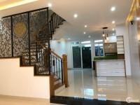 Cho thuê nhà mới full nội thất đẹp, mặt tiền đường khu VCN Phước Hải Nha Trang