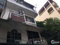 Cho thuê nhà tại Nguyễn Khang 2 tầng dt 40m có 3 ngủ ở luôn