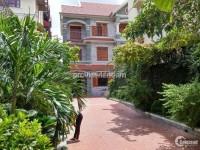 Cho thuê villa Thảo Điền Quận 2 có hồ bơi sân vườn 2 lầu 780m2 5pn