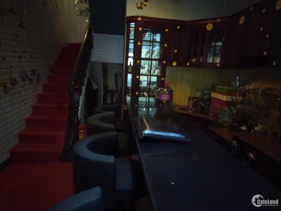 Bán nhà Linh Lang 40m2*4T- Vỉa hè Ôtô tránh- KD, cho thuê + Ở. Giá 10.5 tỷ
