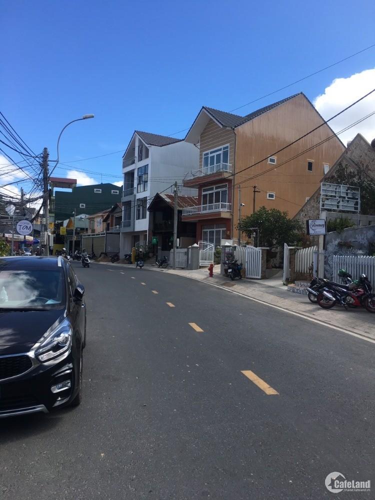 Lô đất siêu rộng 677m2 ngay mặt tiền, trung tâm thành phố Đà Lạt. Đầu tư xây KS