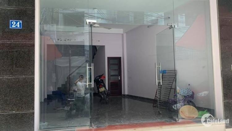 Cho thuê gấp nhà mặt phố Vũ Tông Phan