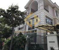 Bán biệt thự đơn lập Phú mỹ hưng giá 42 tỷ có sổ hồng nhà tự xây.
