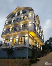 Bán khách sạn ngay trung tâm mới xây 23 phòng đường Hùng Vương - P.10 - Đà Lạt