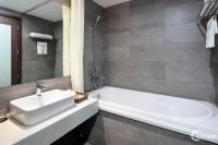 Bán khách sạn chuẩn 3 sao đường Kim Mã 204m2 * 9 tầng * 41 phòng khép kín.