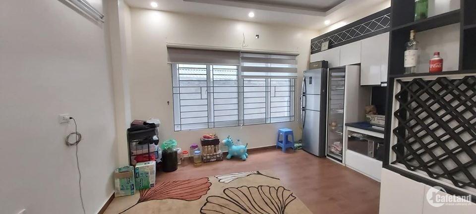 Bán nhà 5 Tầng Ngõ 165 Dương Quảng Hàm Cầu Giấy