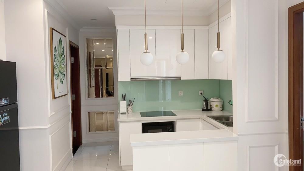Cho thuê gấp căn hộ Vinhomes Central Park, Bình Thạnh, 2PN – 84m2 giá 1100$