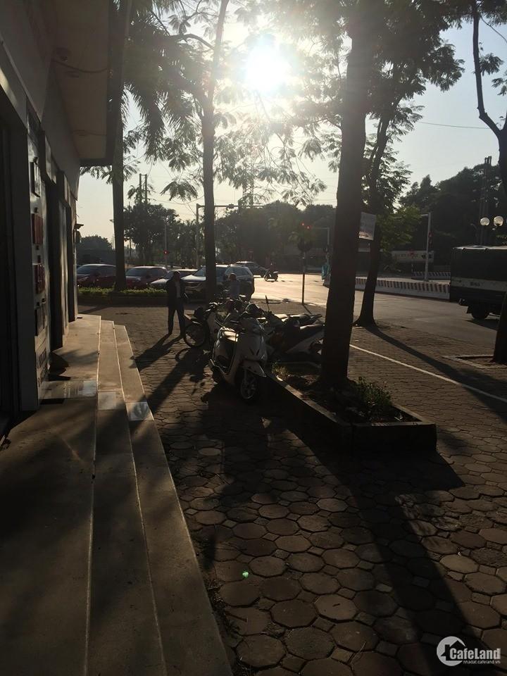 Cho thuê ki ốt, cửa hàng tại KĐT Việt Hưng, Long Biên. S: 35m2. Giá: 9tr/tháng.
