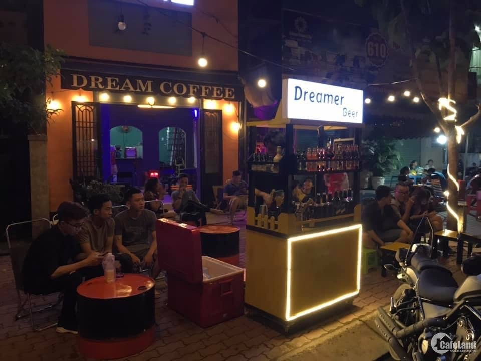 Quán cà phê mặt tiền Song hành Xa lộ Hà Nội quận 9