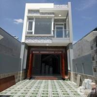 Chuyển về sài gòn cân bán lại căn nhà 1 trệt 1 lầu, DT 150m2, SHR, TC 60m2,