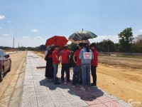 Lô góc 2 mặt tiền đường đã có sổ đỏ. Giá bao sổ 720 triệu