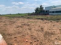 Bán đất MT QL1A Tân Trụ giá chỉ 700tr/124m2