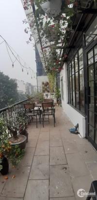 Mặt phố Hàng Bài, 100m, 2 tầng, MT 11m, đẹp, hiếm