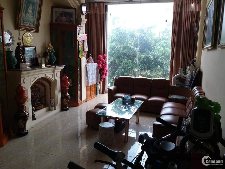 Bán nhà mặt phố Tây Sơn 30m2 7T MT 4.5m giá 12 tỷ.