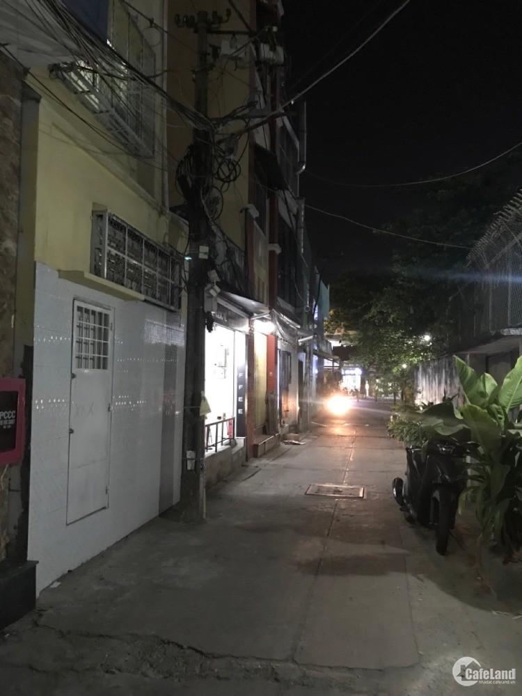 Đi định cư bán nhà phố 2 mặt tiền đường, đang ký Hợp đồng cho thuê 26tr tháng