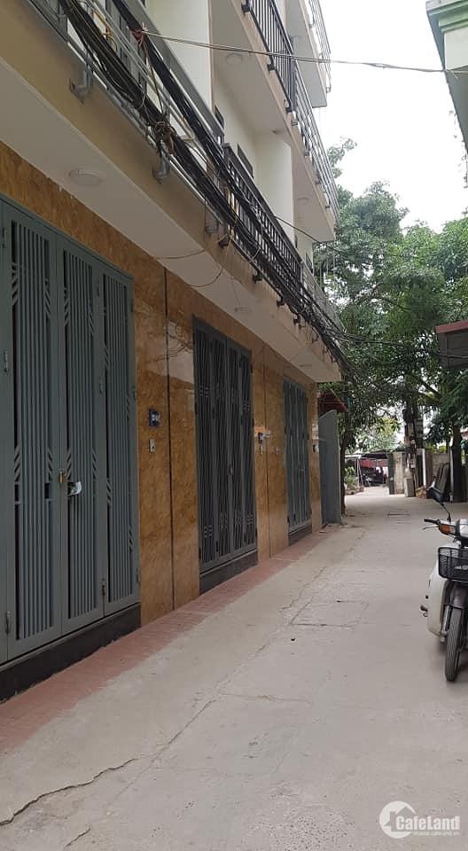 Bán nhà 30m2 x 5 tầng ô tô đỗ cửa phố Hoàng Liệt, Linh Đàm