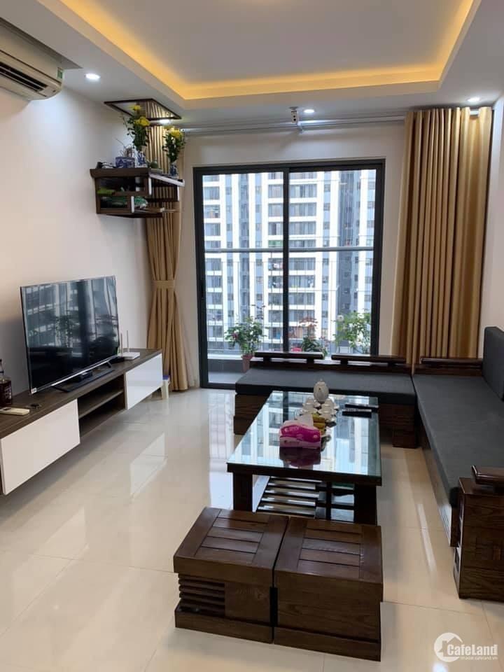 Cho thuê căn hộ ngay Vinhomes Long Biên, 70m2, 2 ngủ, full đồ, 10tr/th