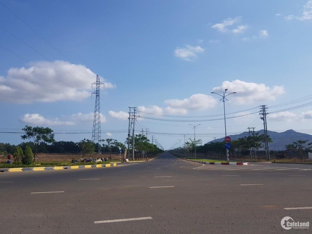 cần bán lô đất ngay khu công nghiệp Phú Mỹ, dân cư đông kinh doanh tốt