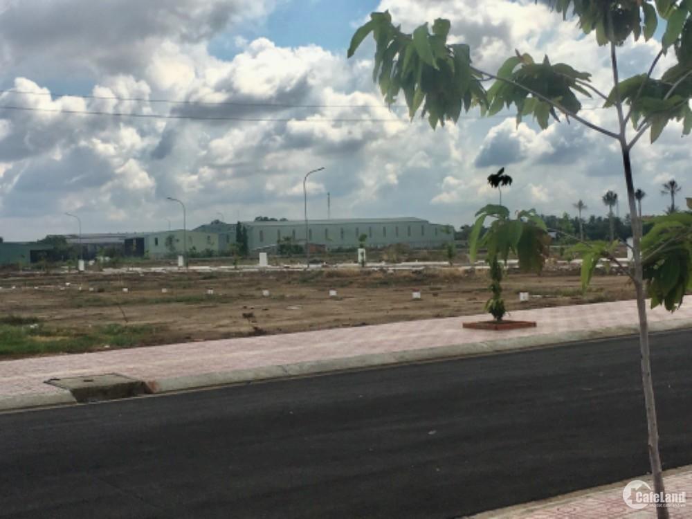 Đất thị trấn Thủ Thừa nằm sau lưng bệnh viện giá chỉ 1tỷ3, sang nhượng trong ngà