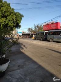 Bán nhà mặt tiền gần chợ liên hương