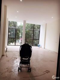 Cho thuê nhà 2 mặt phố tiện kinh doanh, Quang Trung, Hà Đông, giá tốt.
