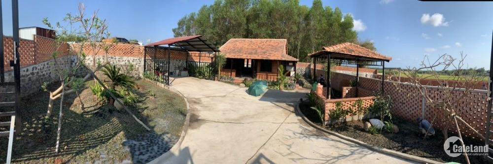 Nhà vườn cực đẹp 400 - 700m2 giá từ 1.8  tỷ - 2.2 tỷ. Liên hệ 0902952499