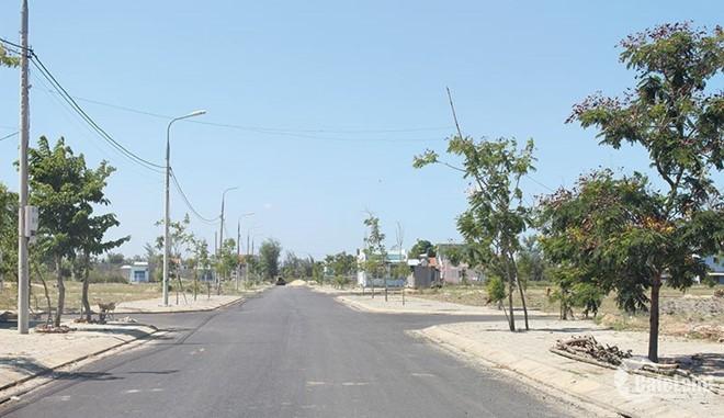 435TR cơ hội sở hữu đất nền đã có sổ, đường 12m, ngay trung tâm hành chính